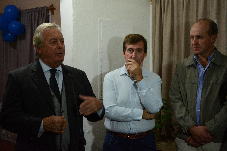 El Intendente Carlos Moreira junto a Ricardo Planchon y Marcelo Galetto en el Hogar Estudiantil de Colonia